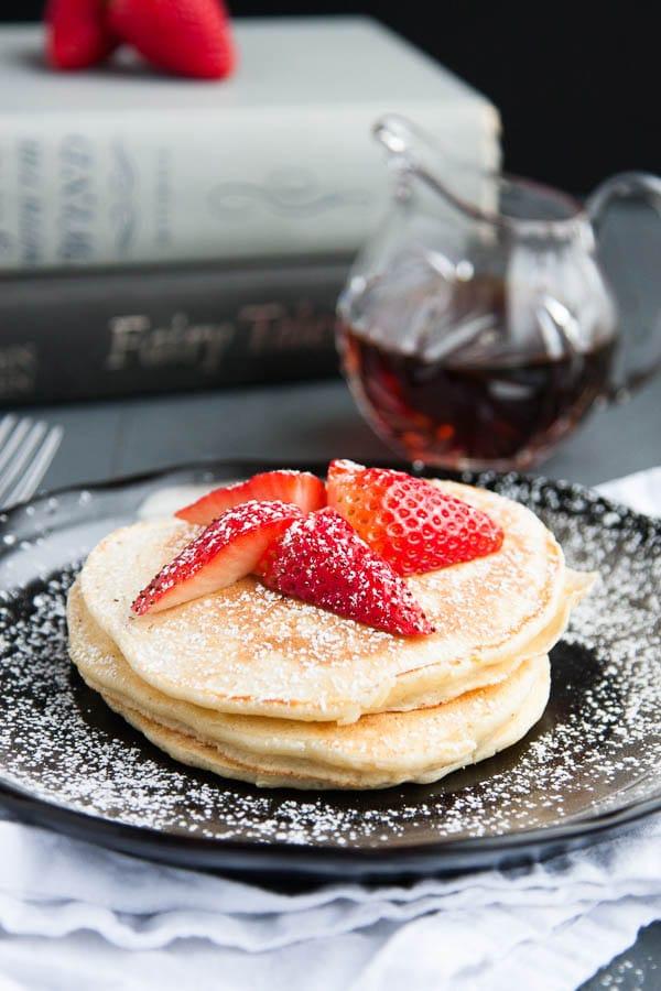 Fluffy Lemon Ricotta Pancakes | breakfast for dinner