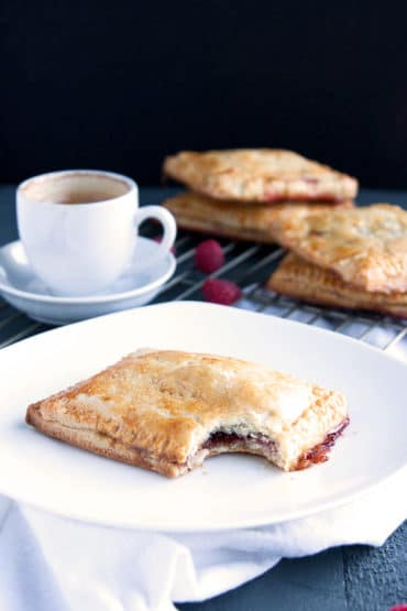 If you love pop tarts, then you will love these Homemade Raspberry Pop Tarts! All the flavor without the fake ingredients! | breakfast for dinner