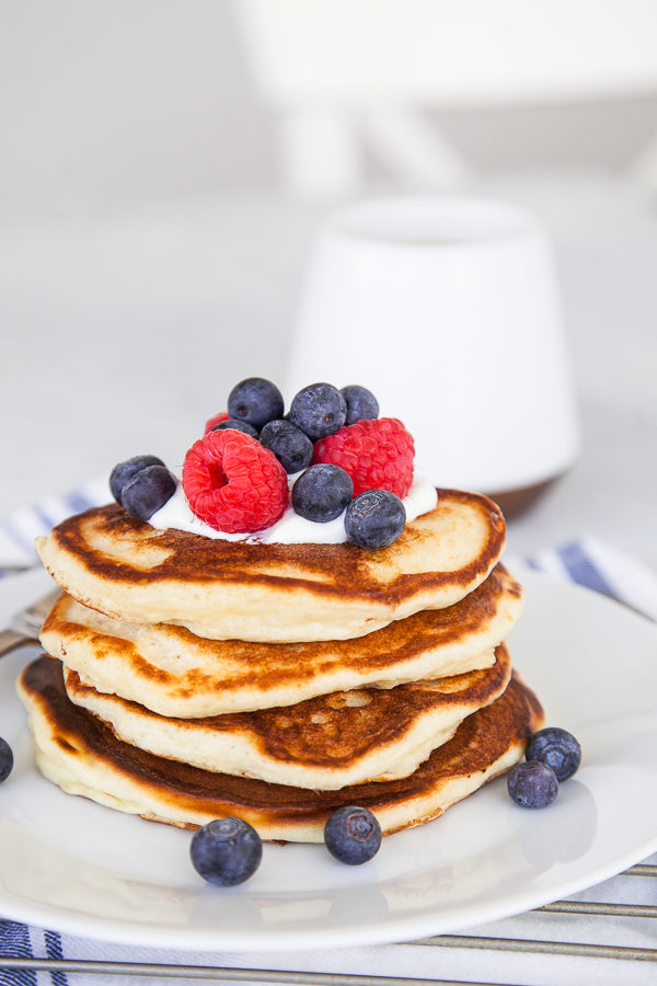 Moist, spongy, and light pancakes! And no whipping of egg whites required. These Greek Yogurt Pancakes are undeniably my new favourite.